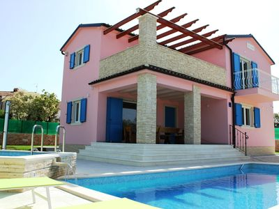 Photo for Wonderful villa in Peroj, near Fazana