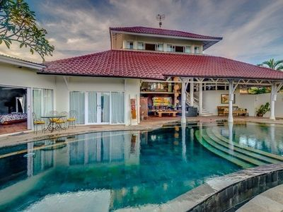 Photo for Perfect location 5bdr Luxury and Traditional Villa in the heart of Seminyak