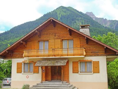 Photo for Comfortable chalet with sauna and Jacuzzi at the foot of Les Portes du Soleil