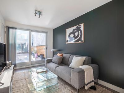 Photo for Newly Built, Bright + Cozy 1BR, w/ concierge next to King's Cross