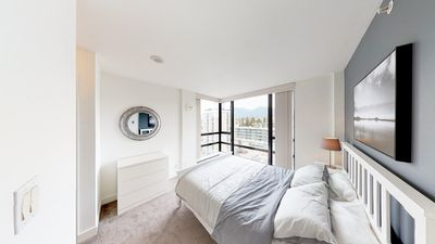 Photo for 2 Bedrooms panoramic view in Lower Lonsdale
