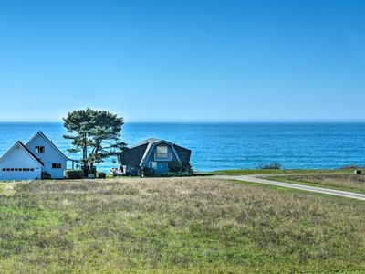Accessible Home - 1/4 Mi to North Pacific Ocean!
