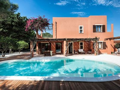 Photo for Beautiful villa with pool situated near Marsala, town by the sea