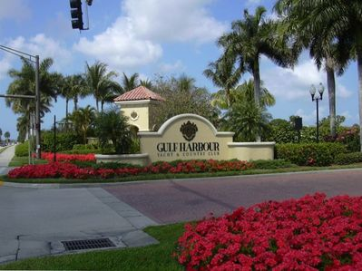Entrance to Gulf Harbour Yacht and Country Club community