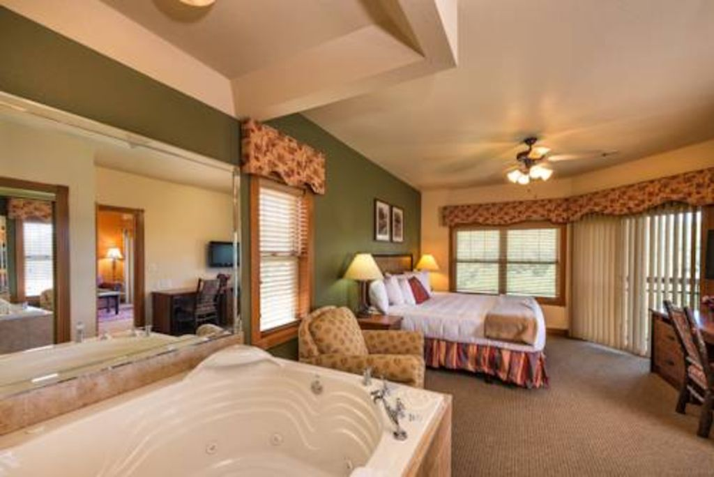 Vacation In Branson Mo--Great Price!--Hurry Before It's Gone!!!!