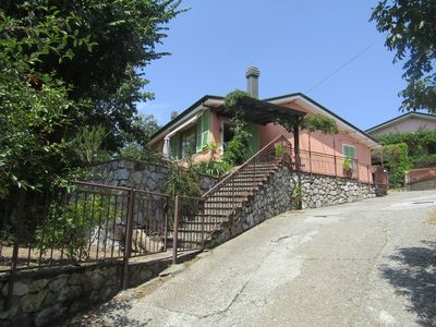 Photo for Detached villa just outside the walls of Fosdinovo