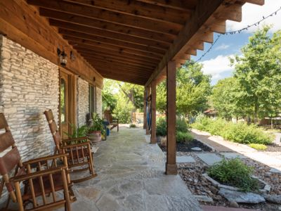 Photo for A touch of Texas Hill Country in SOCO Austin, w/JACUZZI and SAUNA