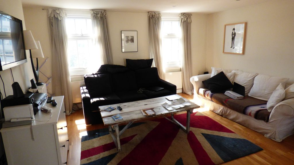 2 Bed Victorian split level in