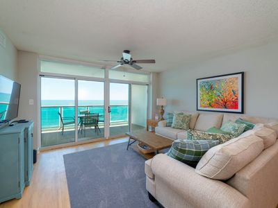 Photo for Attractively decorated Crescent Keyes condo unit with 3 en-suite bedrooms. | Crescent Keyes -  808