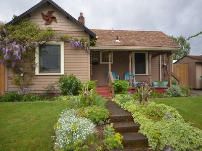 Photo for Charming cottage  close to everything in historic Sellwood/Moreland.