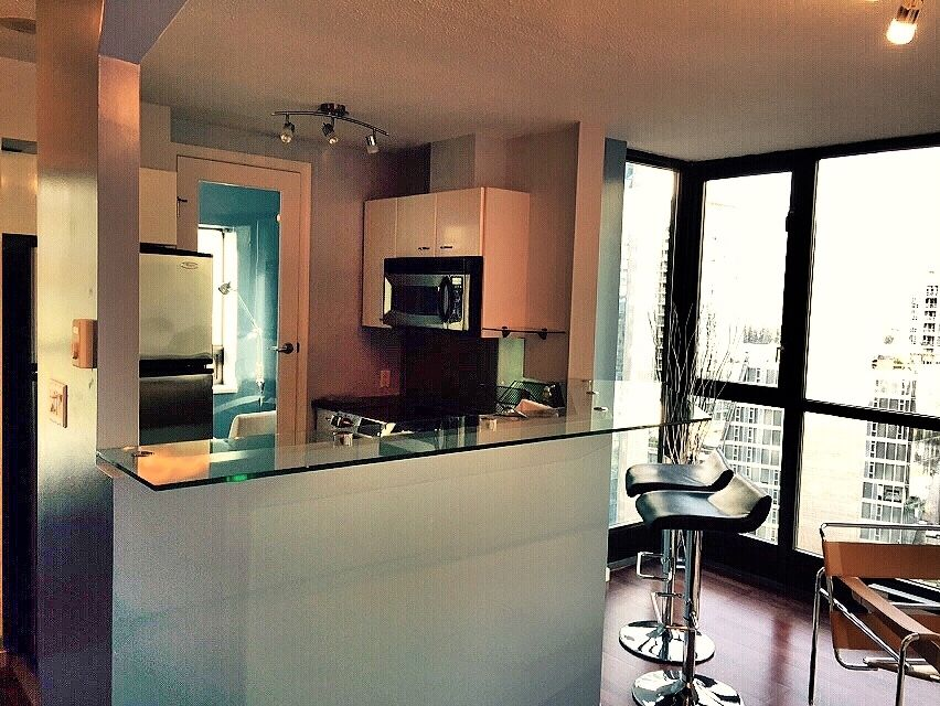 West End Apartment Rental   1 Bedroom Plus Den In Downtown Vancouver