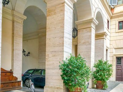 Photo for Prime 1Br/Ba Apt Next  Colosseum at Piazza Venezia