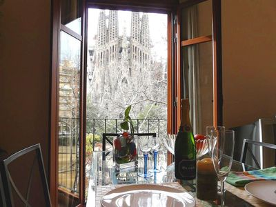 Photo for PANORAMIC SAGRADA FAMILIA 2 - ABSOLUTE FULL FRONT VIEWS