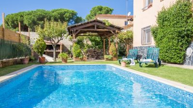 Photo for Villa - 4 Bedrooms with Pool and WiFi - 104023