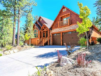 Photo for ~Heavenly Log Home~Upscale Platinum Chalet~Hot Tub~Pool Table~