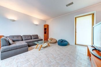 Photo for Luxury 3-bedroom apartment Gonchara