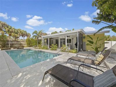 Photo for Sunny Haven, 2 Bedrooms, Private Pool, Sleeps 4