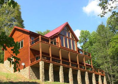 Red Top Retreat luxury log home faces Watauga Lake! offers  bells & whistles!