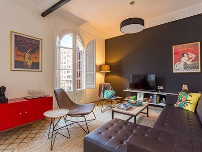 Photo for Spacious in Eixample, balcony, 3 bedrooms for 6