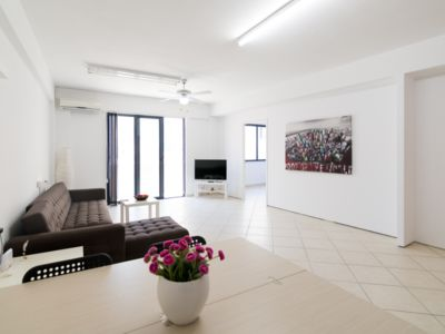 Photo for ★Charming Renovated Heart of The City 3rd Floor Flat