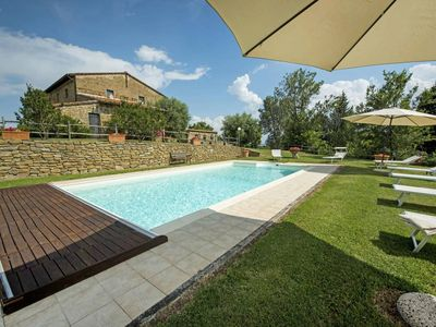 Photo for Tuscany 7 bedroom villa with pool, spa and gym