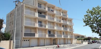Photo for Quiet apartment 2 minutes from the beach