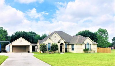 Photo for ★ 5 Star ★ Country Gem NW of Houston