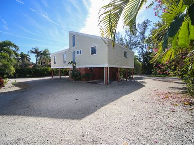 Photo for Longboat Key 32 in Longboat Key. Large, single family home with access to Intracoastal Waterway!