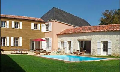 Photo for La Villa, private garden and swimming pool in exceptional location with château
