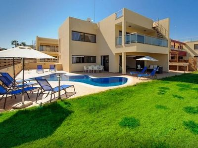 Photo for GPC55, Amazing seafront 5 bed villa