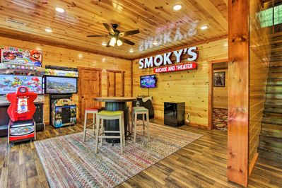 """They don't call Pigeon Forge 'the center of fun in the Smokies"""" for nothing!"""