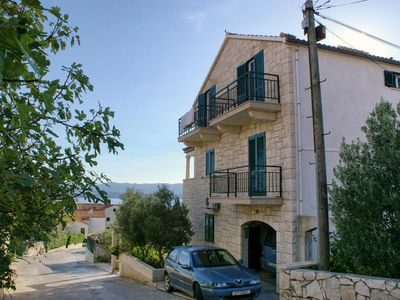 Photo for One bedroom apartment with balcony and sea view Bol (Brač)