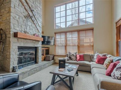 Photo for Beautiful & Spacious Timbers Condo. Walk to Shopping and Dining.