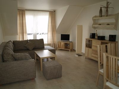 Photo for Spacious apartment, 2 bedrooms, quiet central location, 5 minutes to the beach