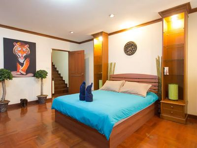 Photo for 4 Bedrooms cozy Villa in Bangkok Center
