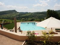 A wonderful place to stay, among the vineyards of Pouilly Fuisse.