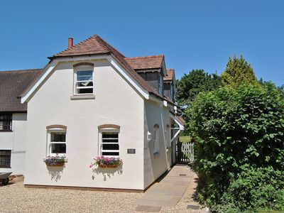 Photo for 2 bedroom property in Wimborne. Pet friendly.
