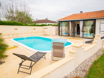 Photo for Very bright and modern house with garden and private swimming pool