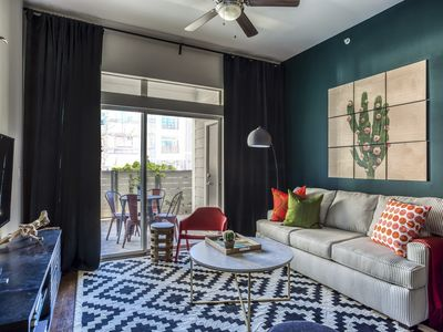 Photo for WanderJaunt | Crockett | 2BR | East Riverside