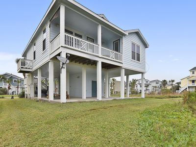 Photo for Beach Spot in Pointe West is a 3 bedroom 2 bath will accommodate up to 8 guests (maximum 6 adults, 2 children).