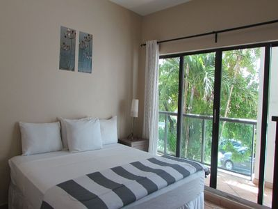Photo for Awesome 2 Bedrooms/2 Bathrooms w/parking and direct access to the beach
