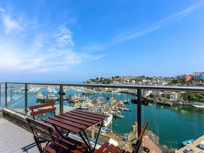 Photo for The Penthouse - spectacular apartment with panoramic sea views from lounge and balcony. Parking & wi