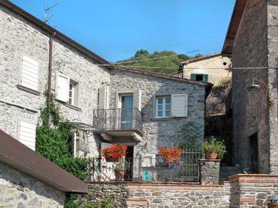 Photo for Vacation home Casa Flora (VIC100) in Villecchia - 4 persons, 2 bedrooms