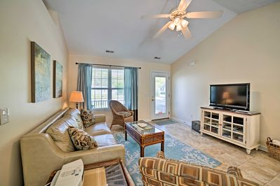 Inside, you'll find 3 bedrooms, 2 bathrooms, and all of the comforts of home.