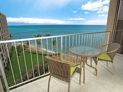 Enjoy the Pacific Ocean from your private 9th floor Lanai!