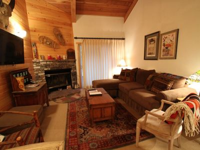 Photo for Remodeled and Charming, Walk to Canyon Lodge