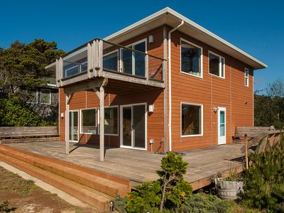 Photo for Come relax and enjoy the majestic views of this peaceful oceanfront home!