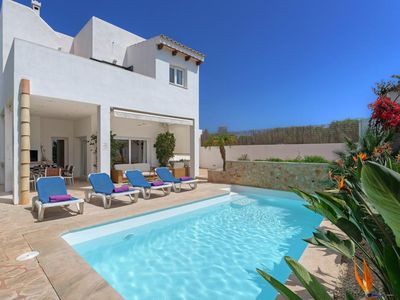 Photo for 3 bedroom Villa, sleeps 6 in Cala d'Or with Pool, Air Con and WiFi
