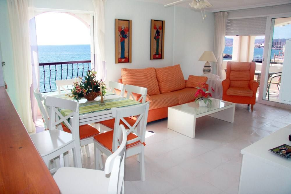 Holidays Apartment Front Sea, Big Roof Terrace, Sunny, Quiet And Warm For  Winter Holiday, Close To Marine Stroll And Town Center. Internet Wifi.