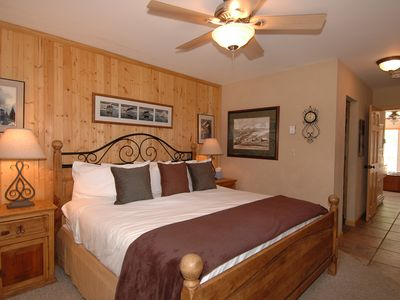 Photo for Top Floor Viking Lodge 311. Stunning River & Mountain Views. Hot Tub + Heated Pool In Complex.